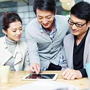 robert half japan salary guide